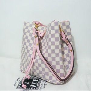 Louis Vuitton 10 x 9 x 11 White Pink